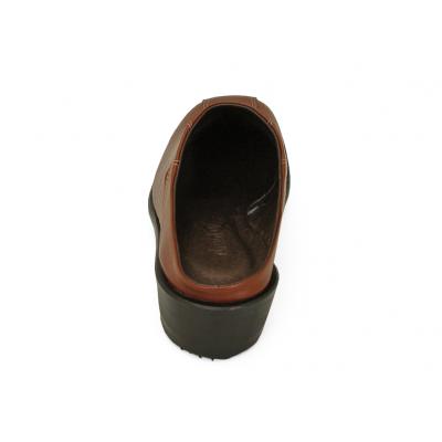 รองเท้าแตะส้นเตี้ย LC-37 หนังนิ่มตาลแดง