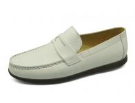 ลด 50% รองเท้าคัทชู MV-03 หนังนิ่มขาว
