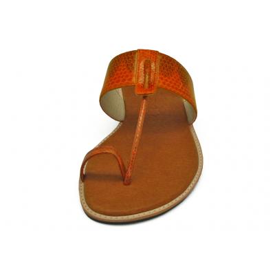 รองเท้าแตะส้นเตี้ย SC-47 หนังงูส้มดำ