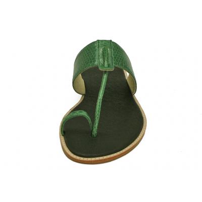 รองเท้าแตะส้นเตี้ย SC-47A หนังงูสีเขียว