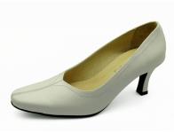 รองเท้าคัทชู SJ-75 หนังนิ่มขาว