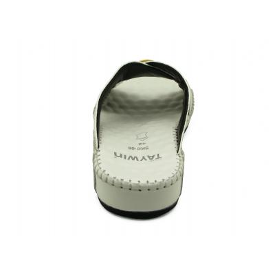 รองเท้าแตะ SKC-08 หนังปั๊มลายนอกกระจอกเทศขาว
