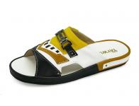 รองเท้าแตะ SKF-23 หนังนิ่มดำ-ขาว-กลับเหลือง