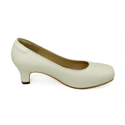 รองเท้าคัทชู SV-01 หนังนิ่มขาว