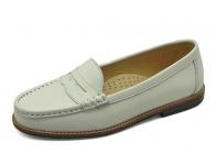 ลด 50% รองเท้าคัทชูส้นเตี้ย SY-01 หนังนิ่มขาว
