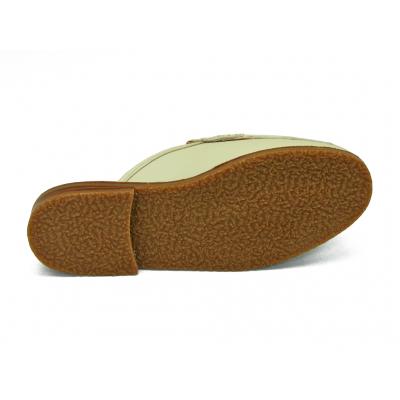 รองเท้าแตะส้นเตี้ย SY-08 หนังนิ่มครีมอ่อน